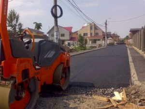 """9,5 milioane de lei pentru asfaltarea """"uliţelor"""" din Săcele"""