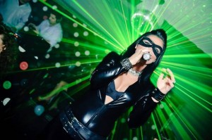 VIDEO Braşoveanca Ellie White a fost Catwoman de Halloween