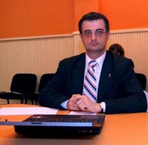 Andronache își face campanie electorală pe bani europeni