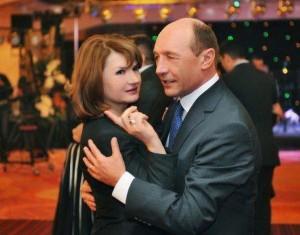 Citeşte aici cu cine a petrecut Băsescu Revelionul la Predeal!