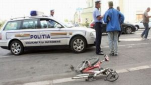Biciclist accidentat de un șofer băut