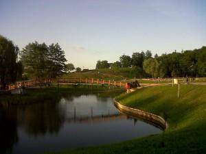 Parcul din jurul Lacului din Noua, amenajat cu fonduri de la Mediu
