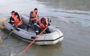 Un bărbat din Acriș, dat dispărut, este căutat cu scafandri în Buzău