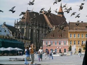 EXCLUSIV Bătaia de joc în Brașov atinge cote incredibile! Biserica Evaghelică CA declară un spațiu închiriat unei firme că valorează 2 bani!