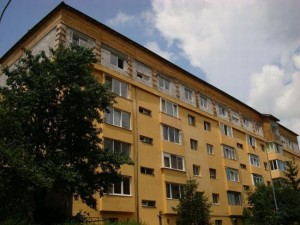 Mansaradarea blocurilor, o țeapă imobiliară