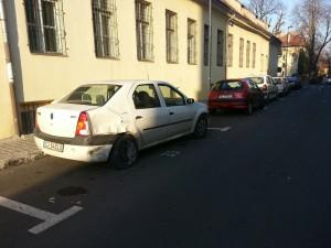 Un șofer beat a făcut praf șase mașini