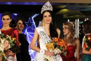 FOTOGALERIE Delia, reprezentanta Romaniei la Miss Universe, a luat ochii juriului in costum de baie! Vezi cum arată!
