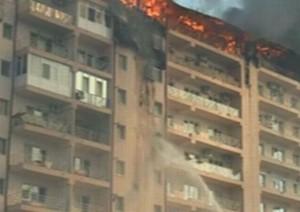 FOTOGALERIE Incendiu în Tractorul, lângă hotelul Codreanu