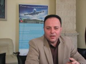 Odiseea construcției aeroportului scrisă de Mihai Pascu