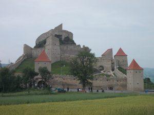 FOTO Cetatea Rupea și-a redeschis porțile. Vezi aici cum a fost transformată din ruină în punct de atracţie