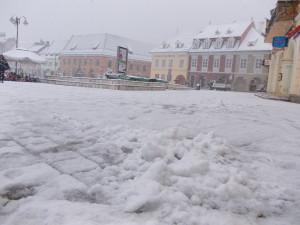 """Cum a fost prima zi de """"iarnă"""" la Braşov FOTO"""