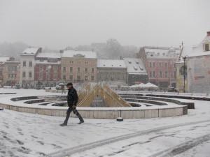 ANM: Vremea se răcește și vin ninsorile
