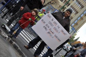 FOTO/VIDEO Proteste Roșia Montană, duminica a opta – Ponta, cel mai hulit politician
