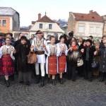 Brașovenii, invitați la horă în  Piața Unirii