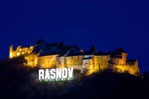 Numărul turiştilor care au vizitat Cetatea Râşnov a crescut cu peste 15.000, faţă de aceeaşi perioadă a anului trecut