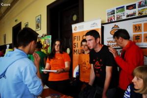 Organizație în căutare de voluntari? Înscrie-te la Târgul de voluntariat Brașov!