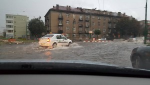 Brașovenii pot scăpa de taxa pe apa de ploaie prin hotărâre de Consiliu Local