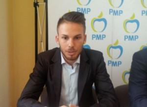 """PMP """"varsă"""" sânge politic, la Centrul de donații"""