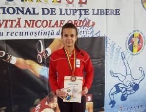 Lupte: Mădălina Caia ne-a adus bronzul la Brașov de la Chișinău