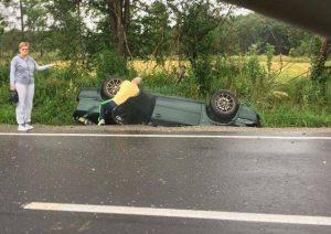 Accident pe DN13, la ieșirea din Hoghiz spre Valea Bogății