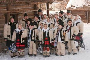 Tradiţii, obiceiuri şi interdicţii în Ajunul Crăciunului