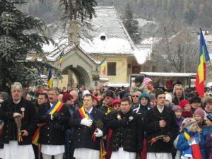 Junii invită braşovenii la Hora Unirii în Piaţa Sfatului