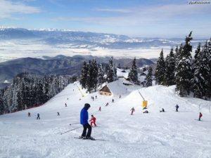 Iubitorii sporturilor de iarnă, în mare pericol din cauza vremii deosebit de calde
