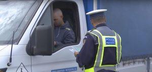 Sute de controale, efectuate de poliţişti în cadrul unei acţiuni de amploare desfăşurate în Braşov