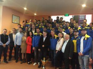 Consiliul Local premiază hocheiştii şi handbalistele de la Corona