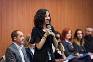 Dezbatere la Braşov pe tema violenţei domestice