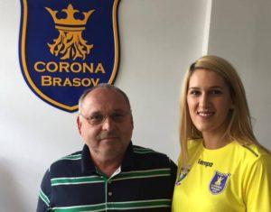 Cosmina Cozma a semnat cu Corona Braşov