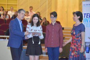 Municipalitatea va premia, pentru al cincilea an consecutiv, cei mai buni elevi din Braşov