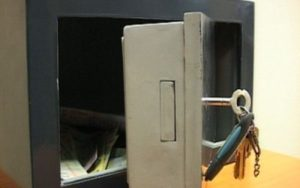Direcţia Fiscală Braşov,  nevoită să îşi schimbe seifurile