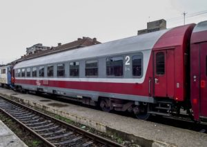 Trenurile CFR care se întorc, astăzi, de pe Valea Prahovei în București au capacitatea dublată