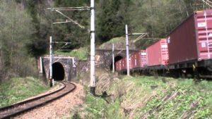 Bărbat lovit mortal de tren, în tunelul de la Predeal