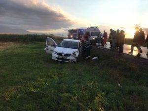 VIDEO Taxi ieşit în decor între Braşov şi Tărlungeni
