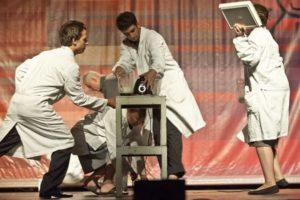 """""""Chipul din oglinda apei"""", educație teatrală pentru tineri"""