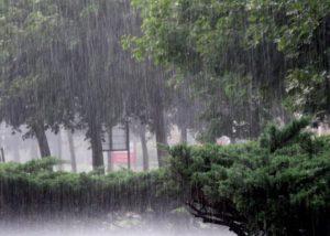 Atenționare meteo imediată! Vânt, ploaie și căderi de grindină, în județul Brașov
