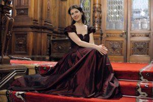 "Soprana Cristina Radu, pe scena Festivalului Internațional ""Leonard """