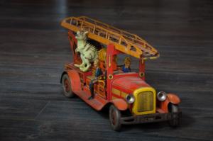 Jucării extrem de rare și vechi de peste 100 de ani la Dino Parc Râșnov (Foto)