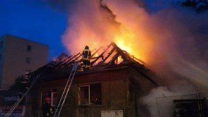 Incendiu la o casă pe Baba Novac