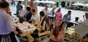 Vinul Moldovei, descoperit și savurat de către brașoveni
