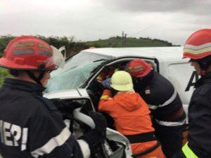 Accident între două microbuze pe centura municipiului Săcele