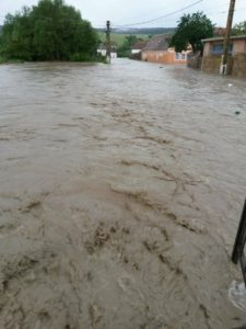 Pericol de inundații în județul Brașov! Cod portocaliu, în vigoare până mâine