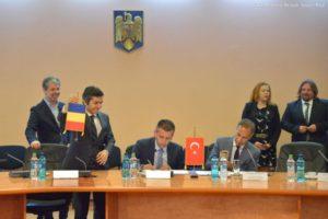 S-a semnat contractul de achiziție a 105 autobuze turcești cu design italian