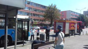 Pompierii au stins un început de incendiu la un autobuz la Spitalul Judeţean