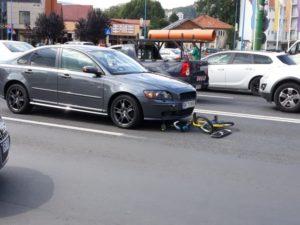 ACUM Biciclist accidentat pe strada Lungă