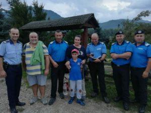 Bucureșteni rătăciți pe drumul spre Peștera Râșnoavei
