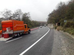 VIDEO Continua montarea de parapete pe axul drumului în județul Brașov