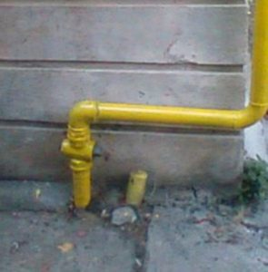 Țeavă de gaz fisurată pe strada Ștefan Mironescu
